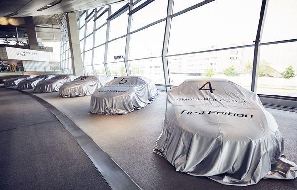 BMW a livrat primele exemplare i8 Roadster: 18 unități First Edition au ajuns la clienții lor - Poza 1