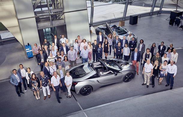 BMW a livrat primele exemplare i8 Roadster: 18 unități First Edition au ajuns la clienții lor - Poza 3