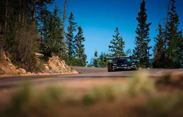 Volkswagen ID R și prima întâlnire cu virajele de la Pikes Peak: conceptul electric accelerează de la 0 la 100 km/h în doar 2.25 de secunde - Poza 2