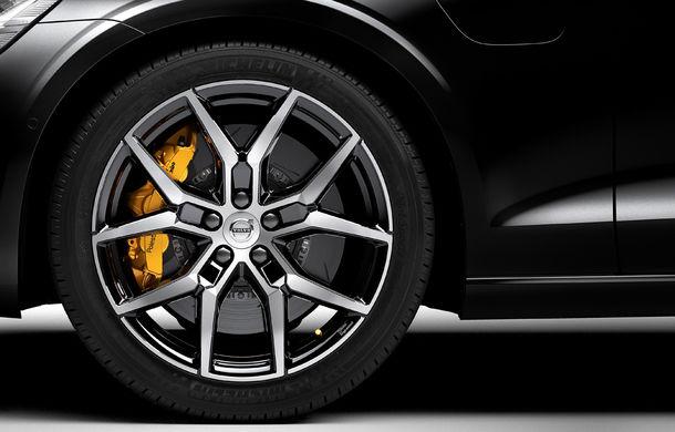 Noua generație Volvo S60 va primi un pachet de performanță Polestar Engineered: 415 cai putere pentru versiunea plug-in hybrid - Poza 1