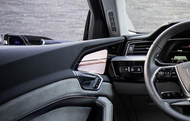 Primele imagini cu interiorul lui Audi e-tron: SUV-ul electric are 5 ecrane, dintre care două pentru camerele care înlocuiesc oglinzile - Poza 25