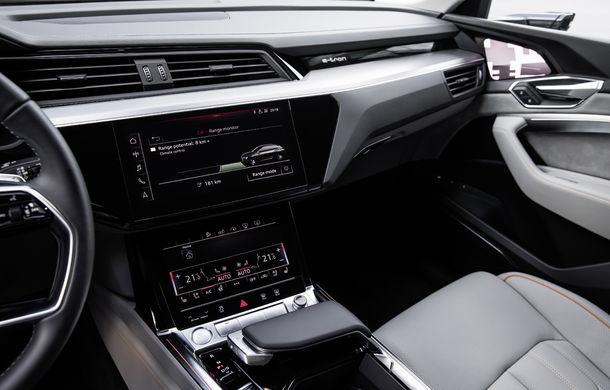 Primele imagini cu interiorul lui Audi e-tron: SUV-ul electric are 5 ecrane, dintre care două pentru camerele care înlocuiesc oglinzile - Poza 11