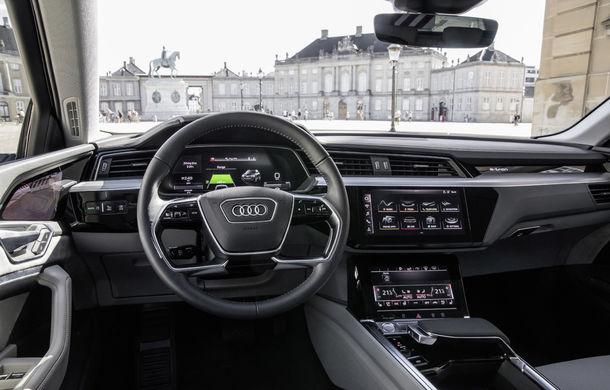 Primele imagini cu interiorul lui Audi e-tron: SUV-ul electric are 5 ecrane, dintre care două pentru camerele care înlocuiesc oglinzile - Poza 8