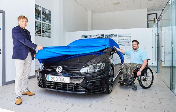 Sărbătoare la Volkswagen: divizia de performanță R a livrat exemplarul cu numărul 200.000. Un Golf R a ajuns la un client din Marea Britanie - Poza 1