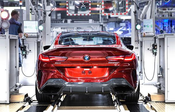 BMW a început producția noului Seria 8 Coupe: modelul constructorului bavarez este asamblat în cadrul fabricii din Dingolfing, Germania - Poza 10