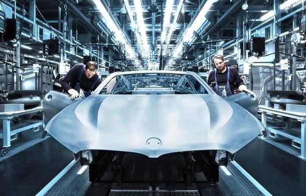 BMW a început producția noului Seria 8 Coupe: modelul constructorului bavarez este asamblat în cadrul fabricii din Dingolfing, Germania - Poza 3