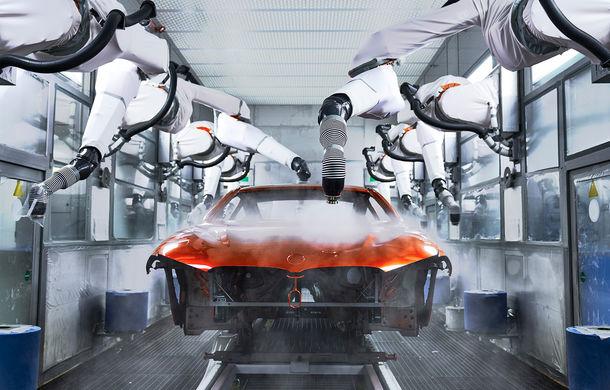BMW a început producția noului Seria 8 Coupe: modelul constructorului bavarez este asamblat în cadrul fabricii din Dingolfing, Germania - Poza 5