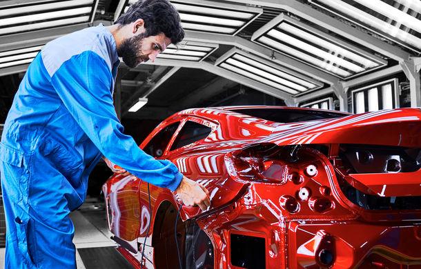 BMW a început producția noului Seria 8 Coupe: modelul constructorului bavarez este asamblat în cadrul fabricii din Dingolfing, Germania - Poza 6