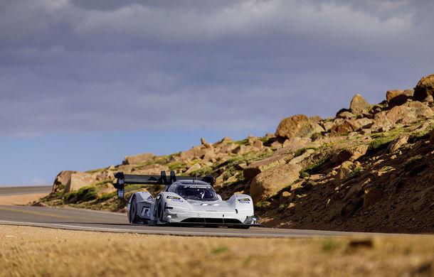"""Volkswagen vrea să stabilească un nou record pe traseul de la Goodwood: ID R Pikes Peak este """"arma"""" electrică pregătită de germani - Poza 2"""