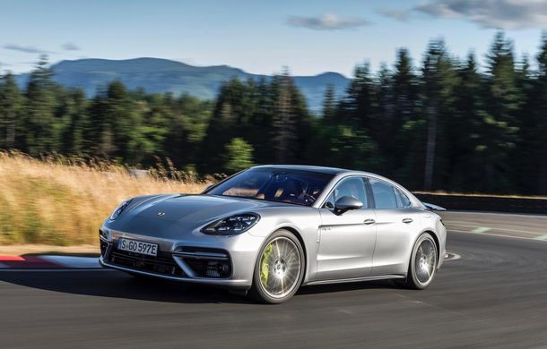 Porsche a stabilit un nou record de vânzări pe primele 6 luni: Macan rămâne cel mai căutat model, dar Panamera vine tare din urmă - Poza 1