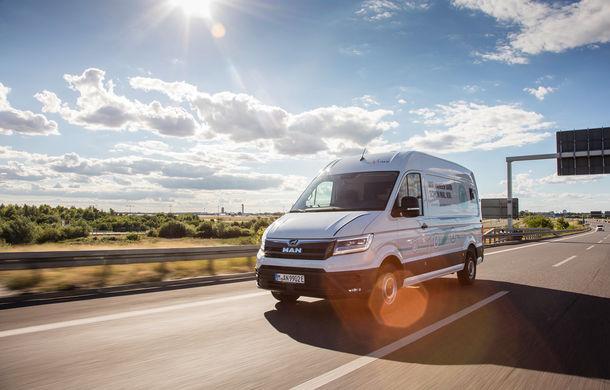 Primii pași în noua eră: MAN eTGE, utilitara electrică gândită pentru livrări urbane, și convoiul de camioane conectate ale producătorului bavarez - Poza 2