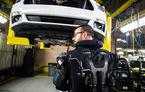 Grijă pentru angajați: Ford introduce exoscheleți pentru muncitorii din 15 uzine