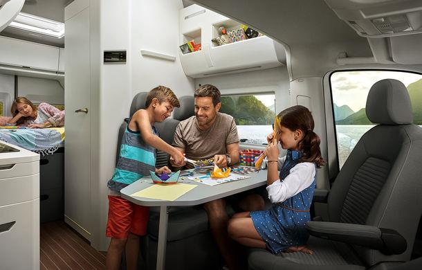 Volkswagen prezintă noul Grand California: camper van-ul oferă spațiu pentru toată familia și dotări moderne pentru iubitorii de vacanțe pe roți - Poza 4