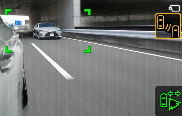 Lexus introduce camere video în loc de oglinzi laterale pe sedanul ES: imaginile, afișate în interiorul mașinii pe ecrane de 5 inch - Poza 8