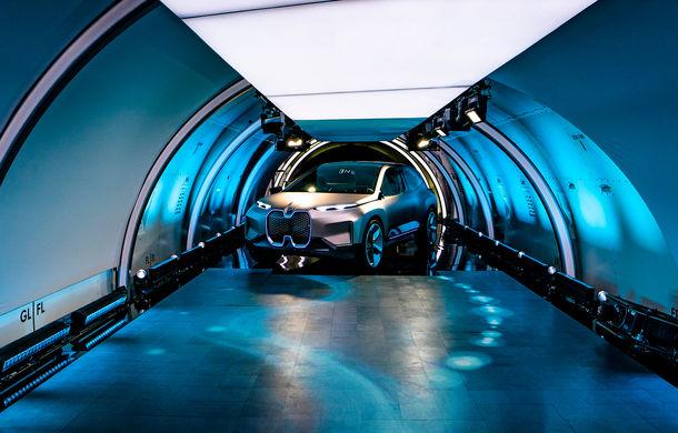 BMW Vision iNext: conceptul care anticipează tehnologiile și interiorul mașinilor autonome ale germanilor. Versiunea de serie debutează în 2021 - Poza 14