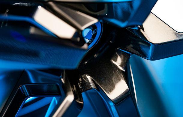 BMW Vision iNext: conceptul care anticipează tehnologiile și interiorul mașinilor autonome ale germanilor. Versiunea de serie debutează în 2021 - Poza 39