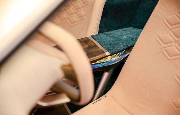 BMW Vision iNext: conceptul care anticipează tehnologiile și interiorul mașinilor autonome ale germanilor. Versiunea de serie debutează în 2021 - Poza 42