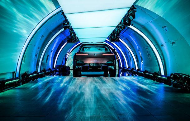 BMW Vision iNext: conceptul care anticipează tehnologiile și interiorul mașinilor autonome ale germanilor. Versiunea de serie debutează în 2021 - Poza 9