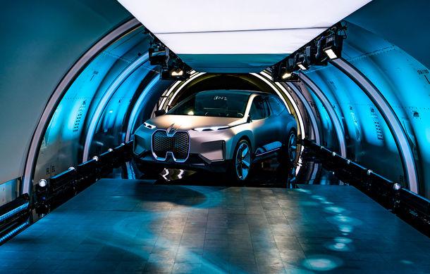 BMW Vision iNext: conceptul care anticipează tehnologiile și interiorul mașinilor autonome ale germanilor. Versiunea de serie debutează în 2021 - Poza 19