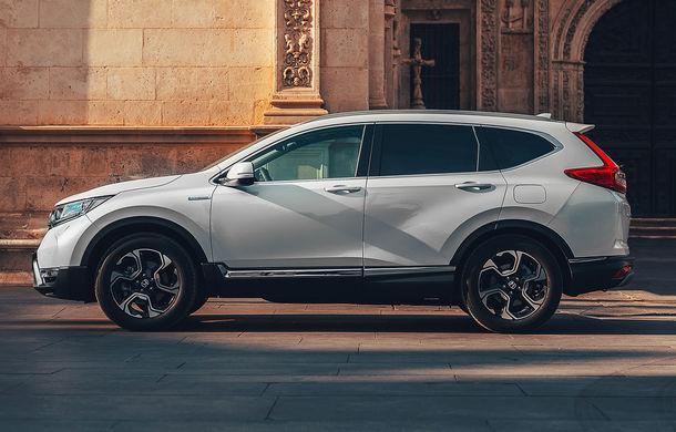 Primele imagini cu viitorul Honda CR-V Hybrid: sistem de propulsie de 184 CP și consum mediu de 5.3 litri/100 de kilometri - Poza 2
