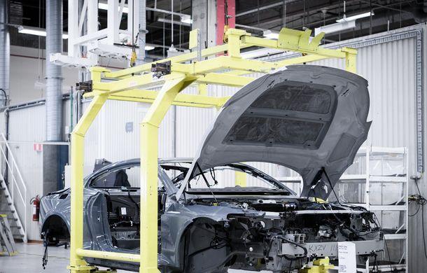 34 de prototipuri Polestar 1 vor părăsi uzina din Goteborg: suedezii încep testele finale. Versiunea de serie a coupe-ului hibrid intră în producție în 2019 - Poza 3