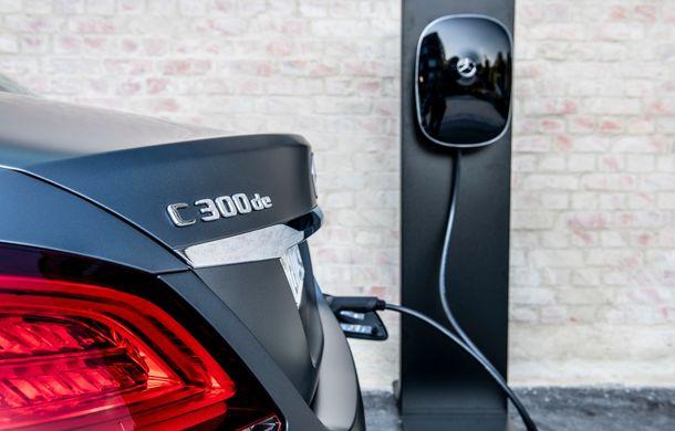 Detalii despre versiunea Mercedes-Benz C300de: plug-in hybrid diesel-electric cu 306 CP și autonomie electrică de până la 57 de kilometri - Poza 25