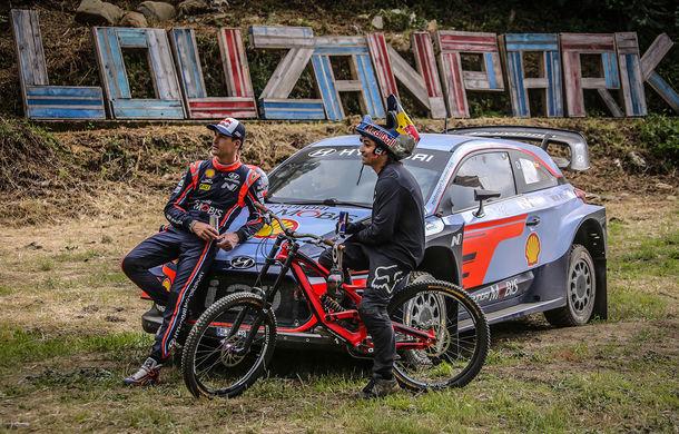 Cursă neobișnuită: un Hyundai i20 WRC și o bicicletă se întrec în inima Portugaliei - Poza 13