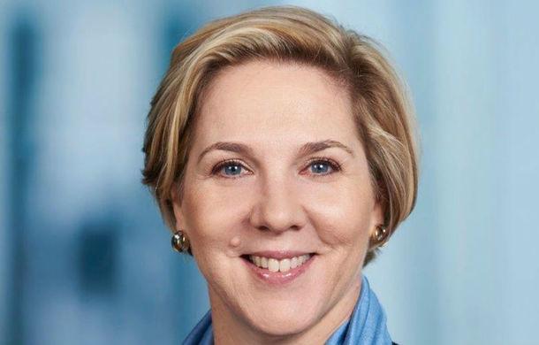 Tesla are un nou președinte: Robyn Denholm se află în conducerea companiei din 2014 și a mai lucrat la Toyota - Poza 1