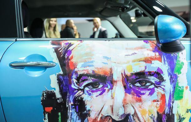 Auto Cobălcescu a inaugurat un showroom Mini în București: evenimentul a fost marcat prin lansarea unui proiect de artă - Poza 11