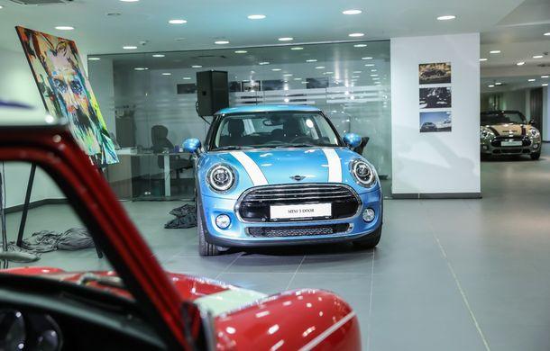 Auto Cobălcescu a inaugurat un showroom Mini în București: evenimentul a fost marcat prin lansarea unui proiect de artă - Poza 5