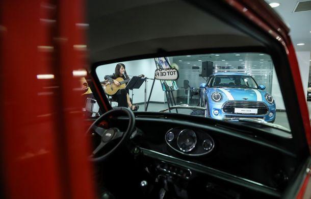 Auto Cobălcescu a inaugurat un showroom Mini în București: evenimentul a fost marcat prin lansarea unui proiect de artă - Poza 7