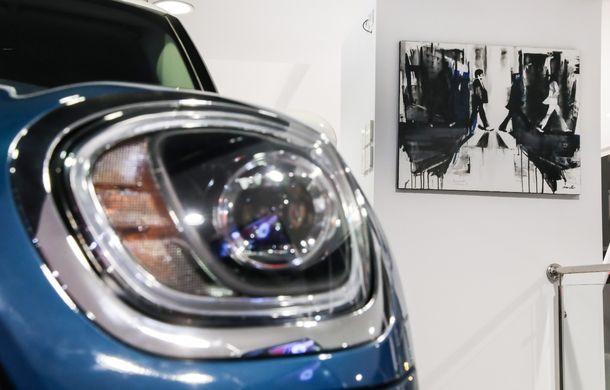 Auto Cobălcescu a inaugurat un showroom Mini în București: evenimentul a fost marcat prin lansarea unui proiect de artă - Poza 13