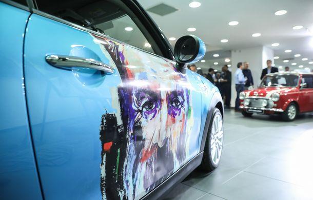 Auto Cobălcescu a inaugurat un showroom Mini în București: evenimentul a fost marcat prin lansarea unui proiect de artă - Poza 9