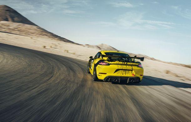 Porsche a prezentat noul 718 Cayman GT4 Clubsport: suspensie preluată de la 911 GT3 Cup și portiere fabricate dintr-un amestec de fibre organice - Poza 9