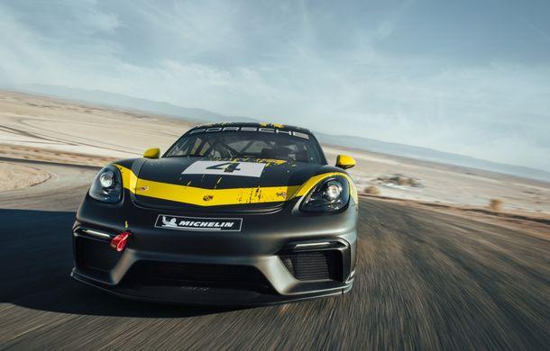 Porsche a prezentat noul 718 Cayman GT4 Clubsport: suspensie preluată de la 911 GT3 Cup și portiere fabricate dintr-un amestec de fibre organice - Poza 4