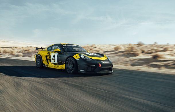 Porsche a prezentat noul 718 Cayman GT4 Clubsport: suspensie preluată de la 911 GT3 Cup și portiere fabricate dintr-un amestec de fibre organice - Poza 3
