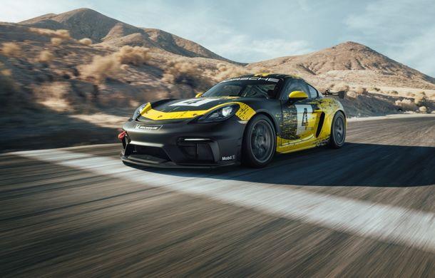 Porsche a prezentat noul 718 Cayman GT4 Clubsport: suspensie preluată de la 911 GT3 Cup și portiere fabricate dintr-un amestec de fibre organice - Poza 5
