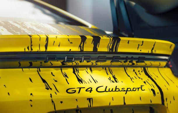 Porsche a prezentat noul 718 Cayman GT4 Clubsport: suspensie preluată de la 911 GT3 Cup și portiere fabricate dintr-un amestec de fibre organice - Poza 14