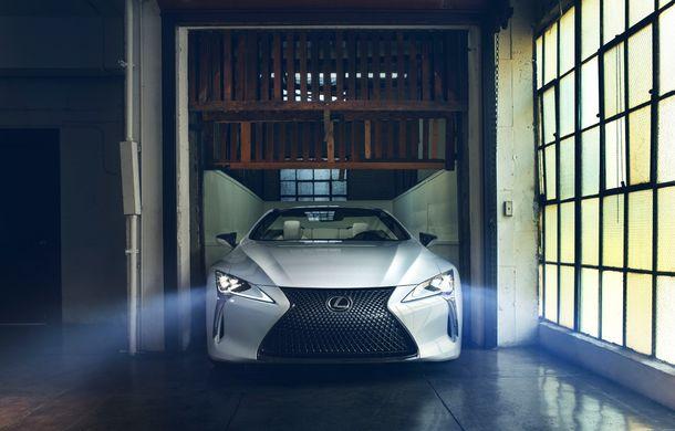 Primele imagini cu Lexus LC Convertible Concept: prototipul niponilor va fi expus la Detroit și anunță o versiune de serie - Poza 2