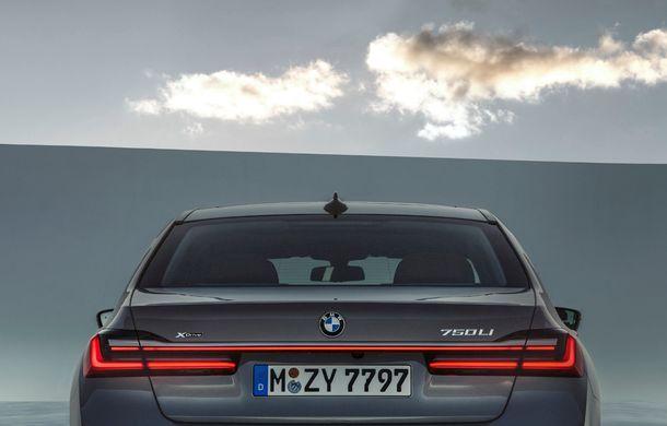 BMW Seria 7 facelift, imagini și detalii oficiale: design revizuit, asistent personal inteligent și motoare îmbunătățite - Poza 34