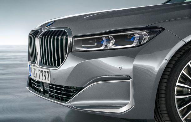 BMW Seria 7 facelift, imagini și detalii oficiale: design revizuit, asistent personal inteligent și motoare îmbunătățite - Poza 38
