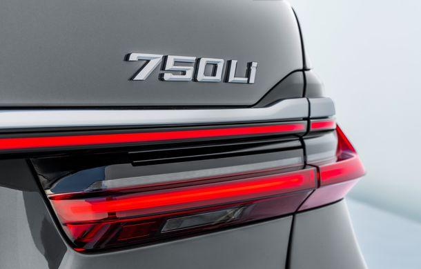 BMW Seria 7 facelift, imagini și detalii oficiale: design revizuit, asistent personal inteligent și motoare îmbunătățite - Poza 41