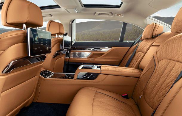 BMW Seria 7 facelift, imagini și detalii oficiale: design revizuit, asistent personal inteligent și motoare îmbunătățite - Poza 46