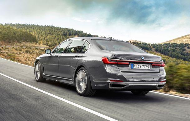 BMW Seria 7 facelift, imagini și detalii oficiale: design revizuit, asistent personal inteligent și motoare îmbunătățite - Poza 29