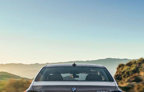 BMW Seria 7 facelift, imagini și detalii oficiale: design revizuit, asistent personal inteligent și motoare îmbunătățite - Poza 33