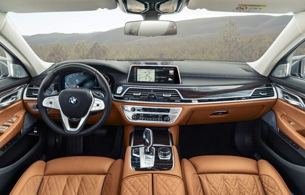 BMW Seria 7 facelift, imagini și detalii oficiale: design revizuit, asistent personal inteligent și motoare îmbunătățite - Poza 49