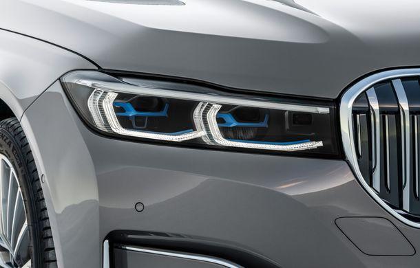 BMW Seria 7 facelift, imagini și detalii oficiale: design revizuit, asistent personal inteligent și motoare îmbunătățite - Poza 40