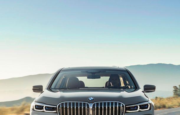 BMW Seria 7 facelift, imagini și detalii oficiale: design revizuit, asistent personal inteligent și motoare îmbunătățite - Poza 10