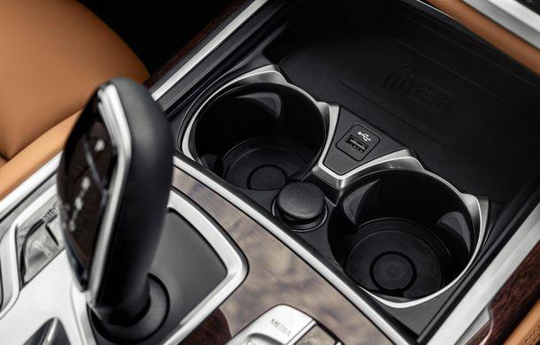 BMW Seria 7 facelift, imagini și detalii oficiale: design revizuit, asistent personal inteligent și motoare îmbunătățite - Poza 51