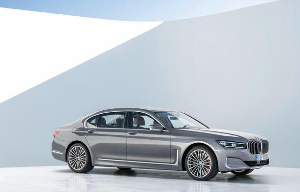 BMW Seria 7 facelift, imagini și detalii oficiale: design revizuit, asistent personal inteligent și motoare îmbunătățite - Poza 15